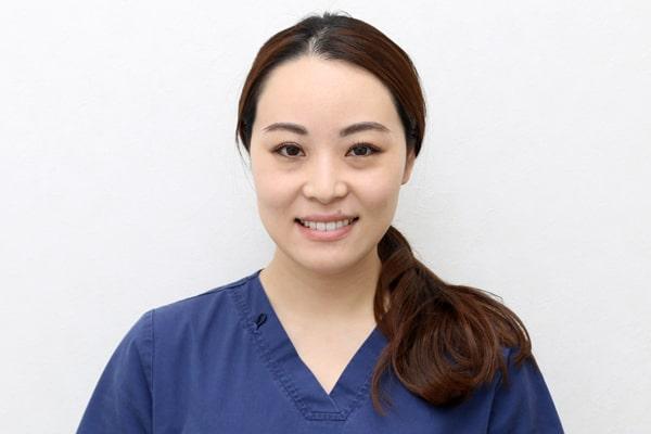 歯科医師 本間 玲奈