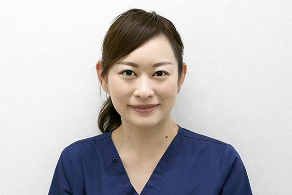 歯科医師 安田 舞子